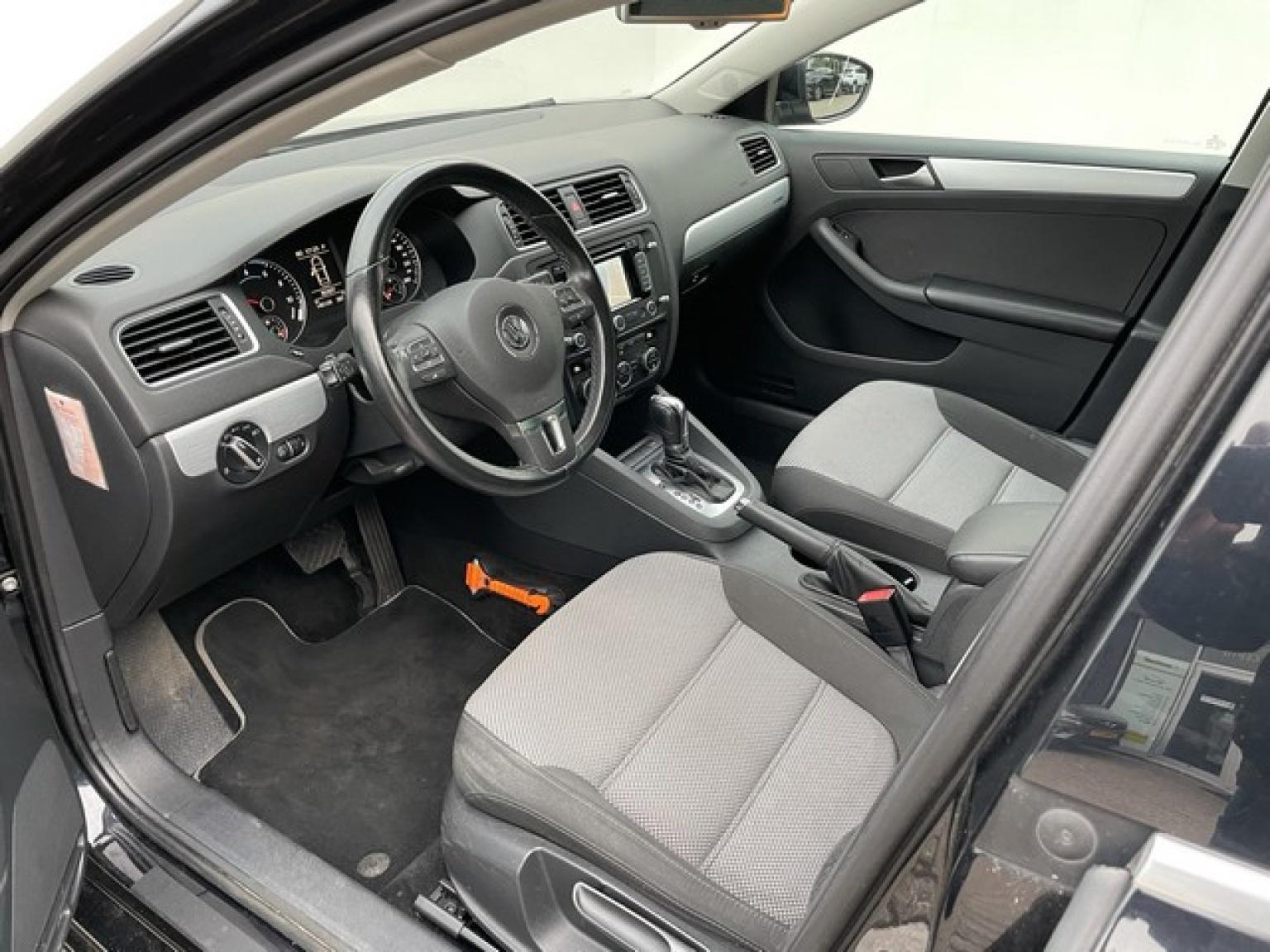 Volkswagen-Jetta-10
