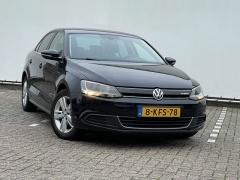 Volkswagen-Jetta-4