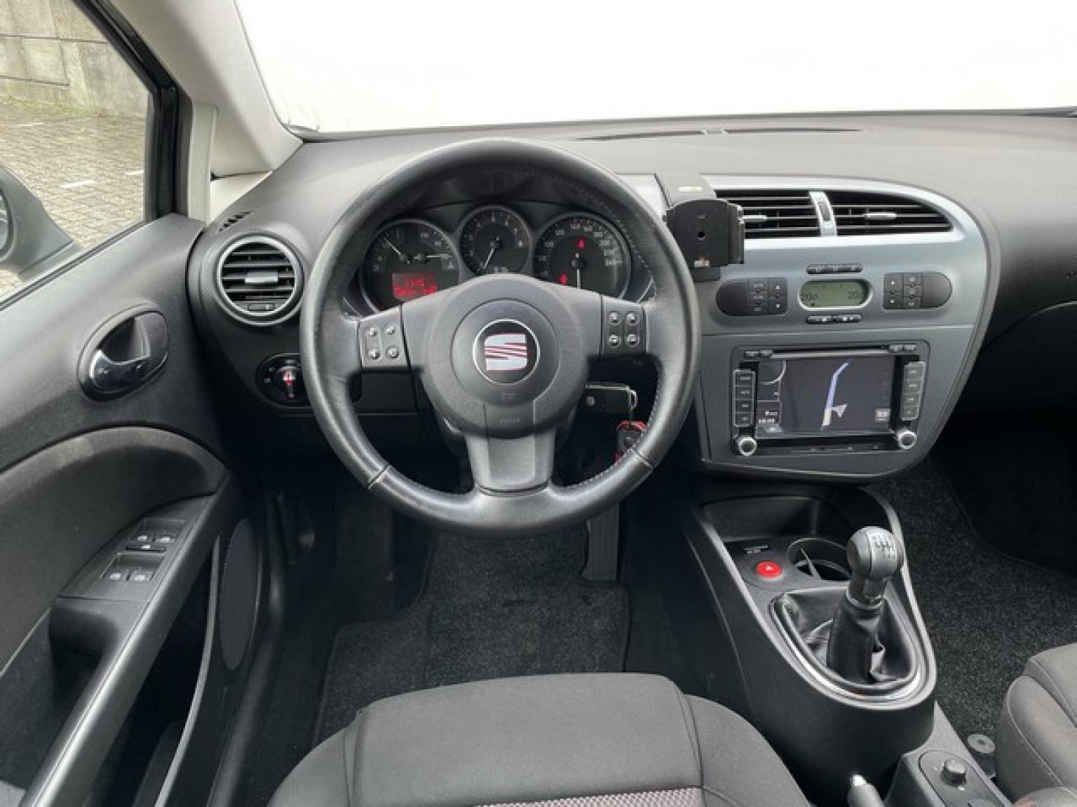 SEAT-Leon-8
