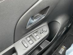 Opel-CORSA-E-8