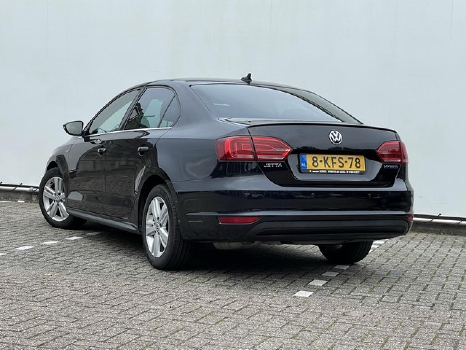 Volkswagen-Jetta-3