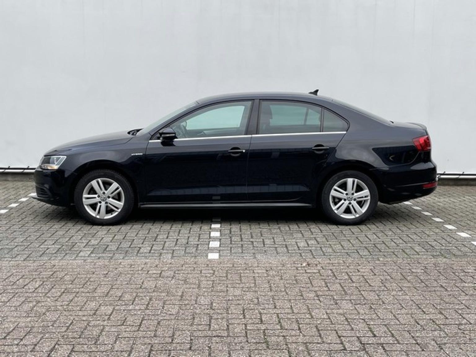 Volkswagen-Jetta-2