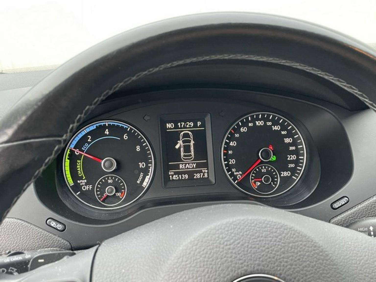 Volkswagen-Jetta-15