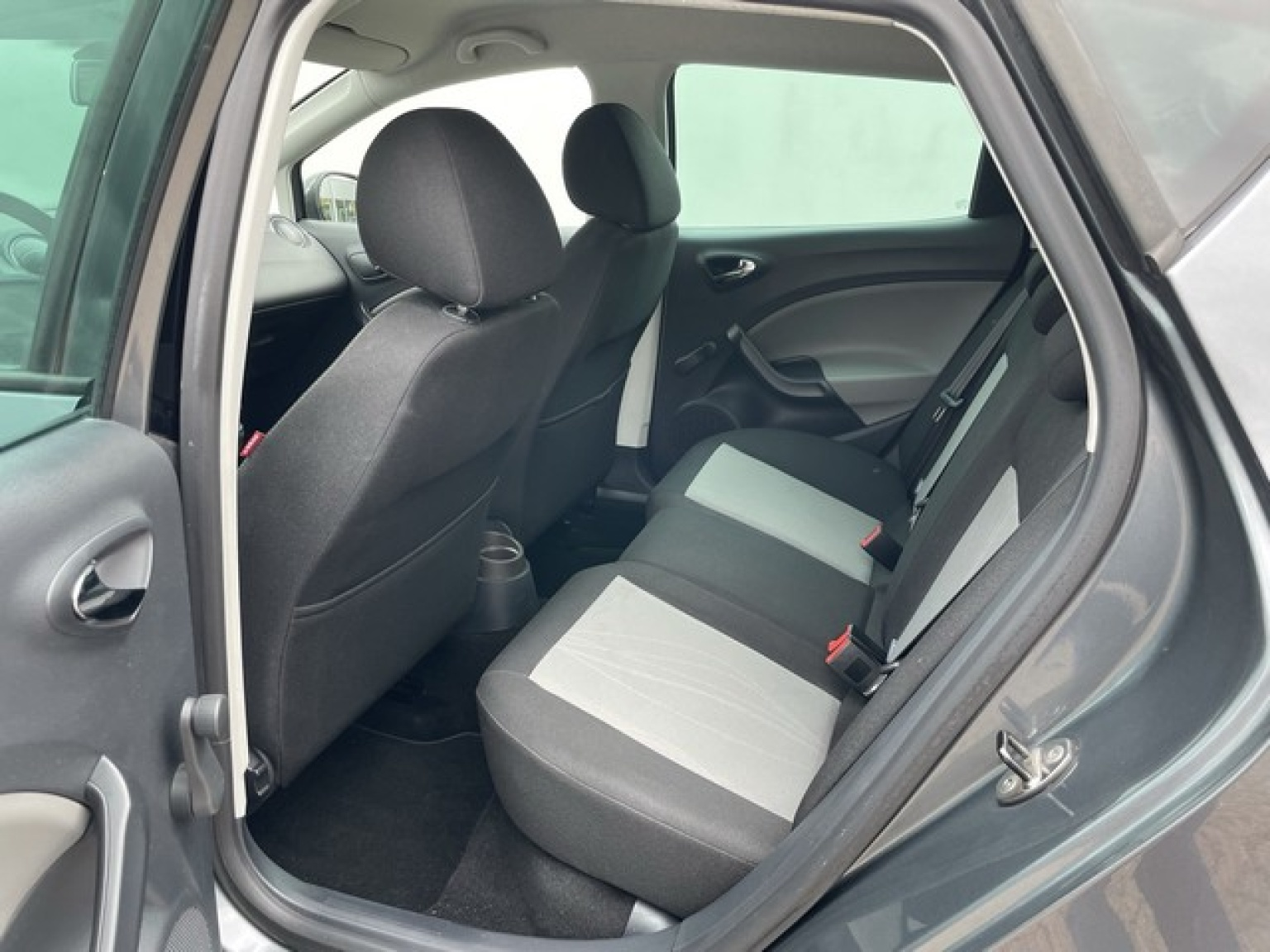 SEAT-Ibiza-11